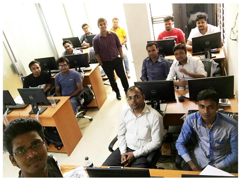 CCNA and MikroTik Workshop Expert IT